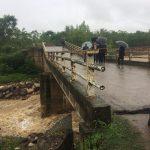 فرماندار فومن گفت: بارش شدید باران و وقوع سیلاب راه ارتباطی ۳ روستا در بخش مرکزی و یک روستا در بخش سردار جنگل شهرستان فومن را قطع کرد.